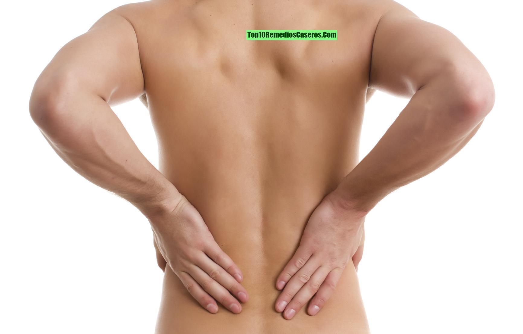 El tratamiento de los granos sobre la espalda por la sosa