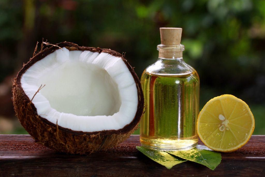El Aceite De Coco Y Jugo De Limón