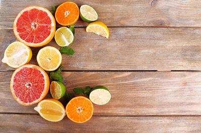 Comer alimentos con vitamina C