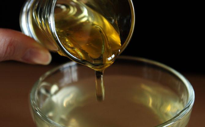 agua con miel con el estómago vacío