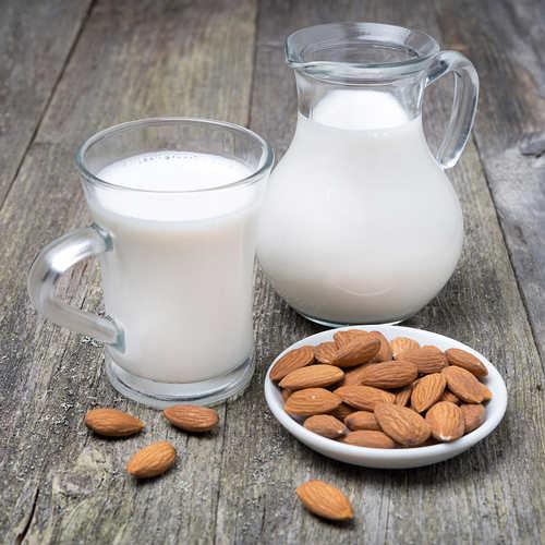 leche y almendras